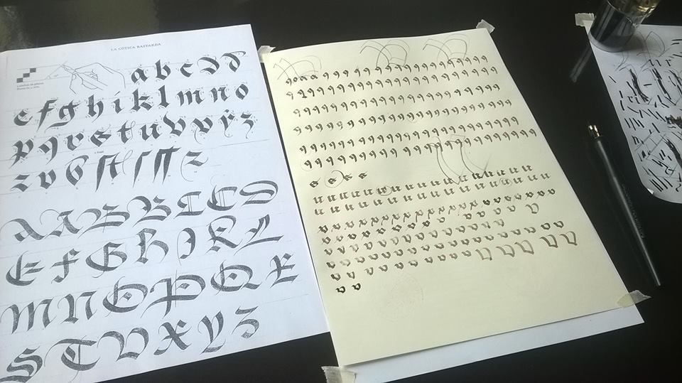 Primeros pasos en caligrafía Bâtarde